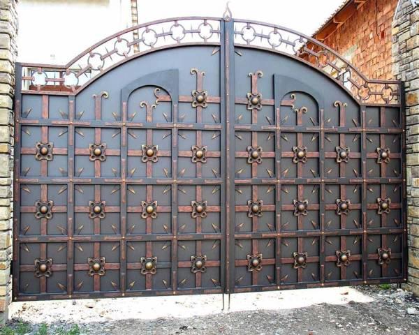 Ворота № в 142 (Темный рыцарь)